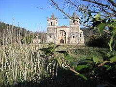 Papercraft de la Iglesia San Martín en Cantabria, España. Manualidades a Raudales.