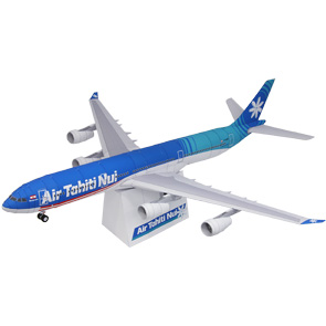 Papercraft  del Airbus A340-300 de las aerolíneas Air Tahiti Nui. Manualidades a Raudales.