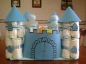 Castillo realizado con pañales.